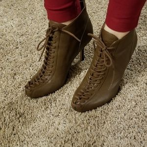 Tracy Reese brown plenty boots 38